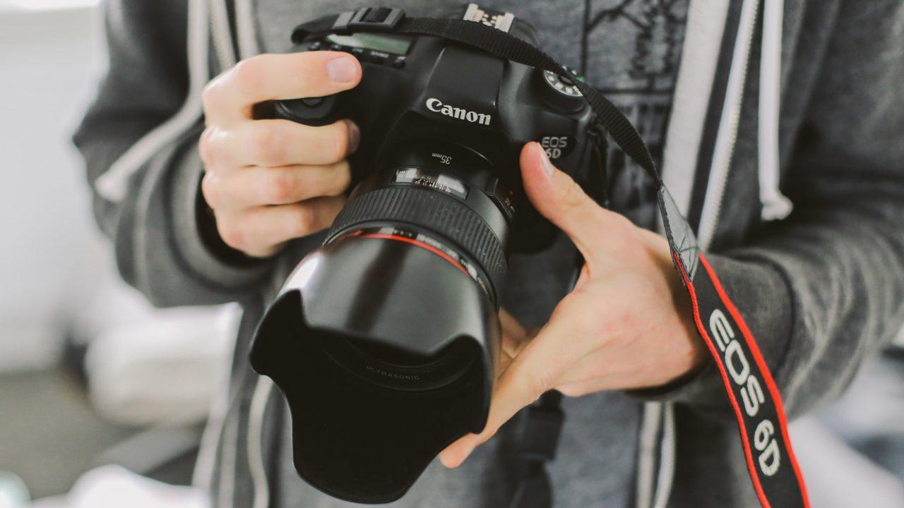 共同通信社 コロナ 港区 カメラマン